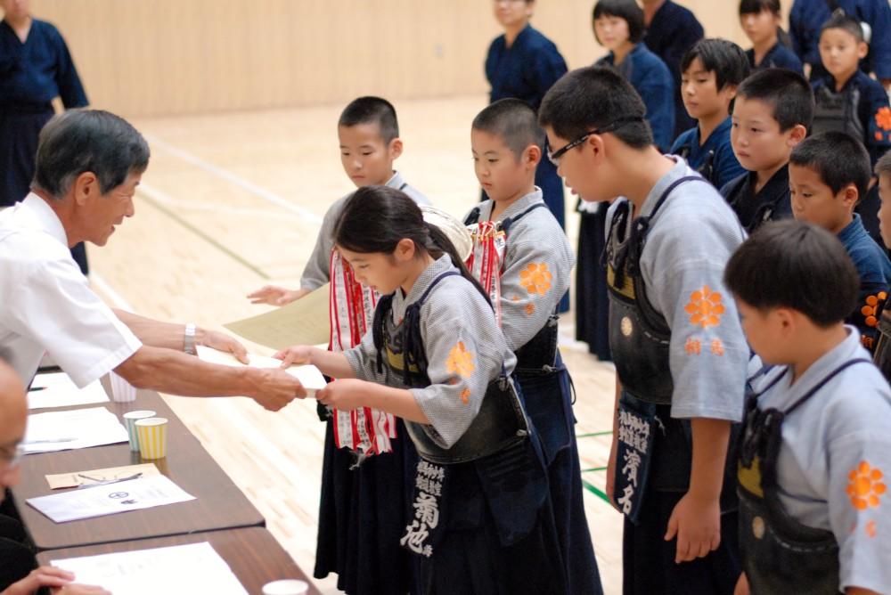 26年姉妹都市 表彰式(小学生団体)