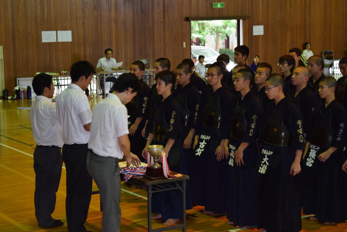 男子団体表彰式