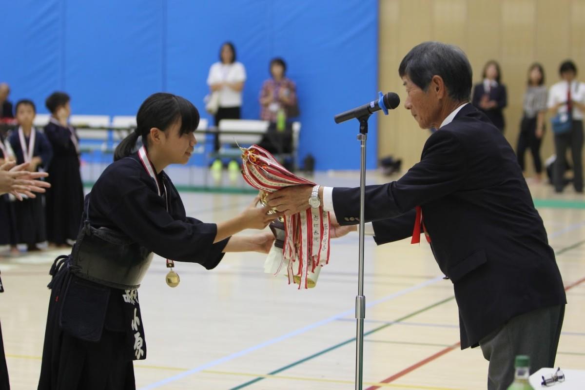 中学1年女子 表彰