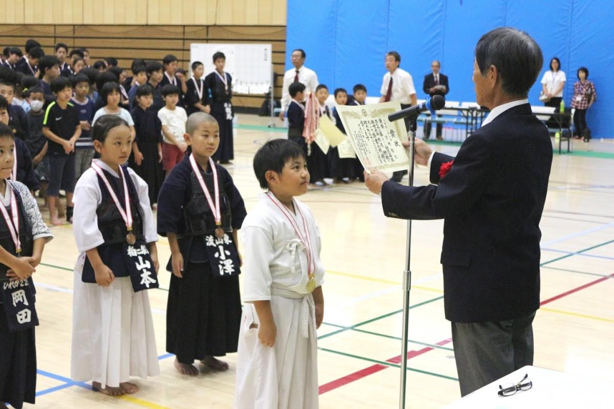 市民大会表彰  小学2年