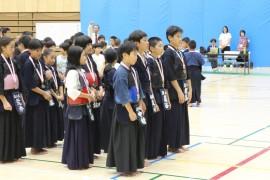 市民大会 表彰小学6年男子
